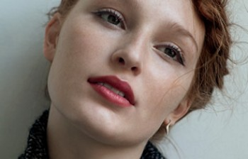 A CLASSIC AND ROMANTIC LOOK WITH KJAER WEIS